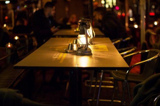 Женщина получила сотрясение головного мозга, посетив ресторан в Смоленске