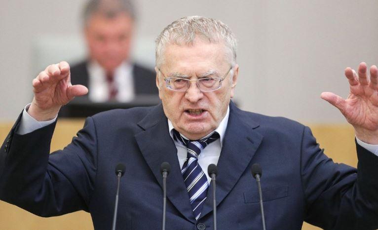 Жириновский собирается предложить выплачивать пособие домохозяйкам