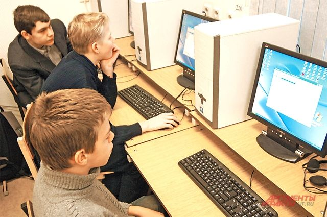 Школьников Смоленска могут перевести на дистанционное обучение в апреле