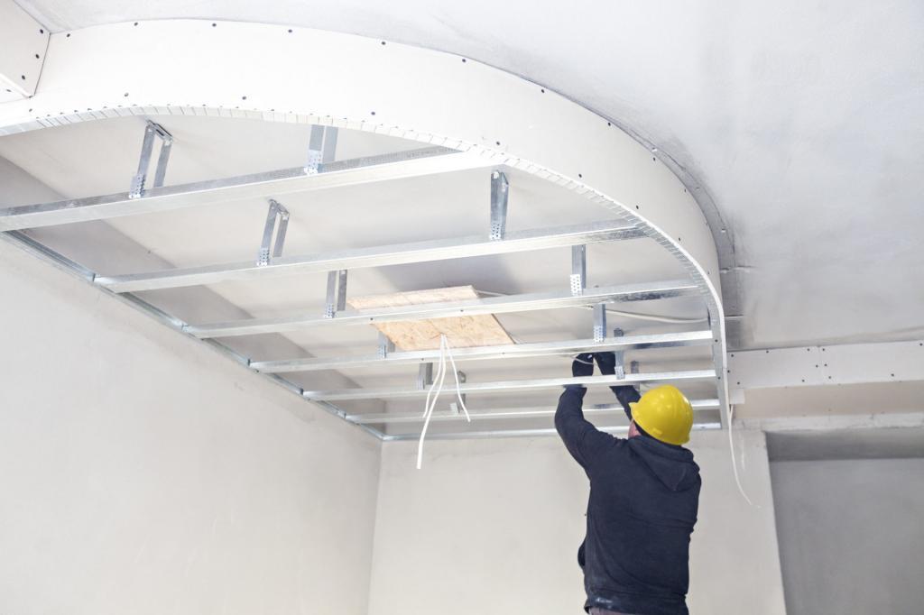 Ремонт потолка. Устранение крупных и мелких дефектов