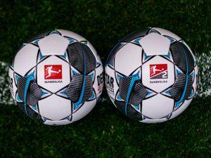 В Германии решили спасти футбольный сезон, а не отделаться поскорее