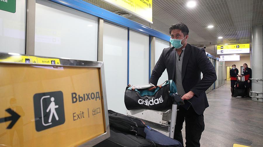 Вывозной рейс с россиянами прибыл из Шанхая в Санкт-Петербург