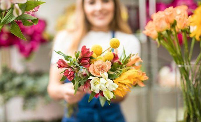 Профессионализм доставки цветов в Смоленске от Bflorist.ru на 8 Марта