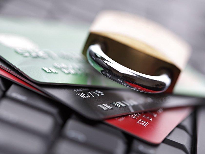 Банки попросили блокировать сомнительные операции без ответа клиентов