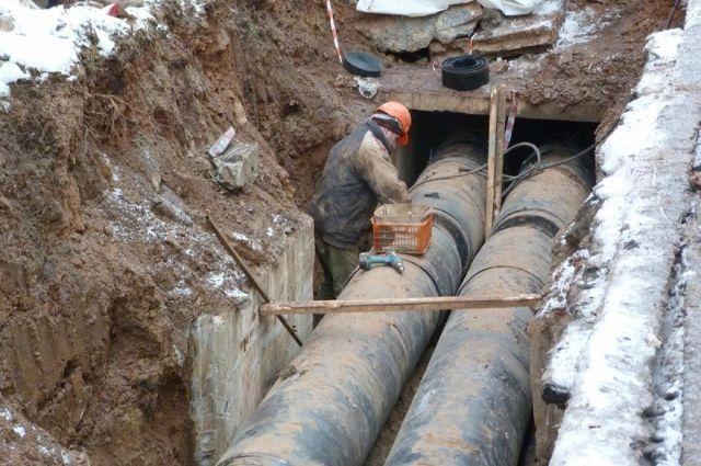 Жители Рославля рассказали о провалившейся в трубопроводную яму женщине