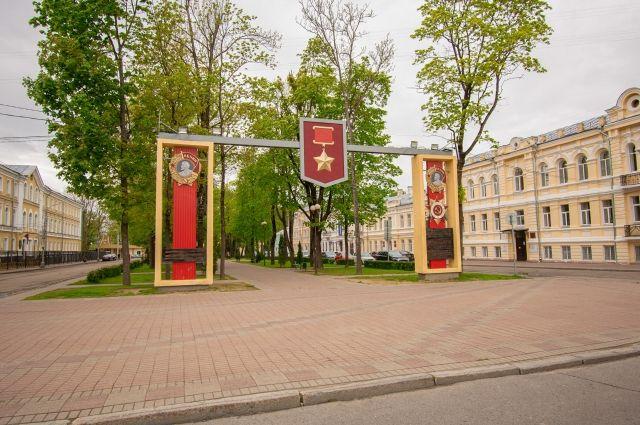 Светильники обновили в пяти скверах Смоленска