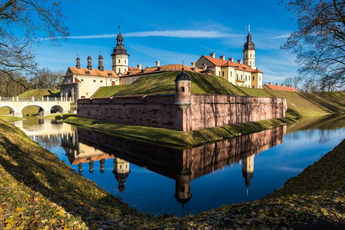 Несвижский замок: всемирно известная достопримечательность Республики Беларусь.