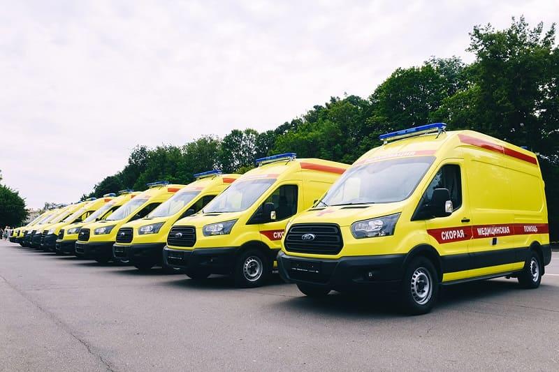 Медучреждения Смоленской области получили новые автомобили скорой помощи
