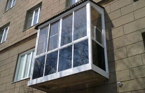 Балконная мода: остекление и ремонт