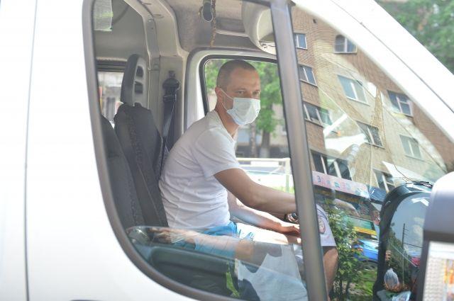 Соблюдение масочного режима проверяют в Смоленске