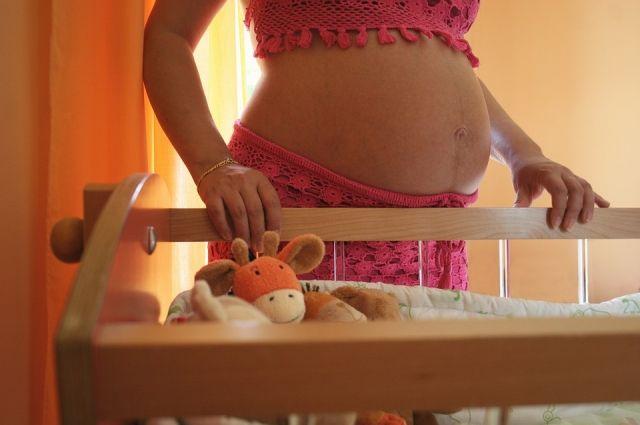 Беременным смолянкам предписали самоизоляцию
