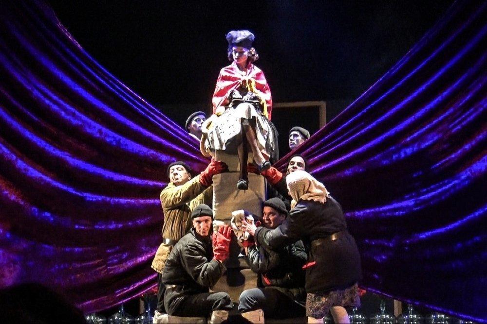 «Чеховчайка», «Онегин-блюз»: На какие эксперименты идут частные театры