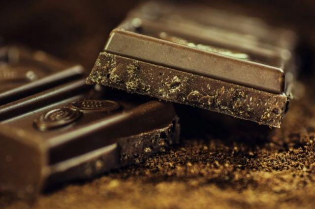 Смоленские таможенники не пустили в Россию 5 тонн украинского шоколада