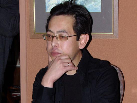 Режиссер Хван отказался от госпитализации, несмотря на обострение болезни