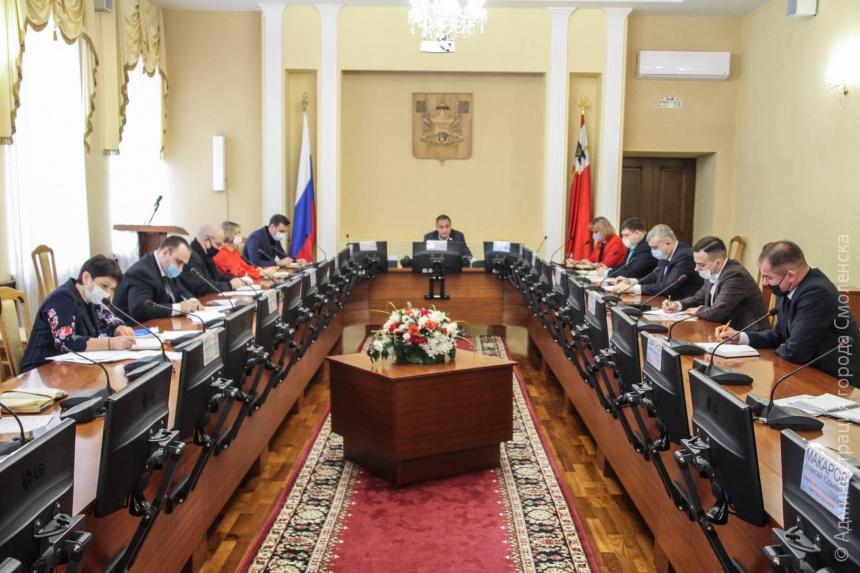 Андрей Борисов поручил городским службам усилить контроль за устранением незаконных уличных надписей