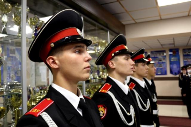 Санкт-Петербургское суворовское военное училище МВД России приглашает на учёбу юных смолян