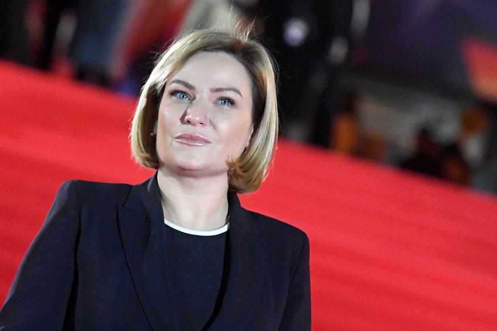 Любимова отметила возвращение в офлайн культурной жизни Петербурга