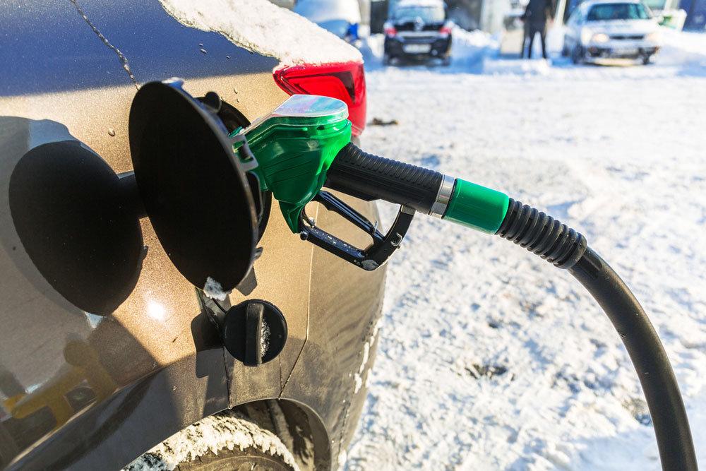 В чем отличие зимнего бензина от летнего
