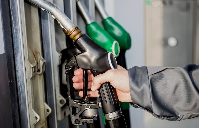В Смоленской области перестало дорожать автомобильное топливо