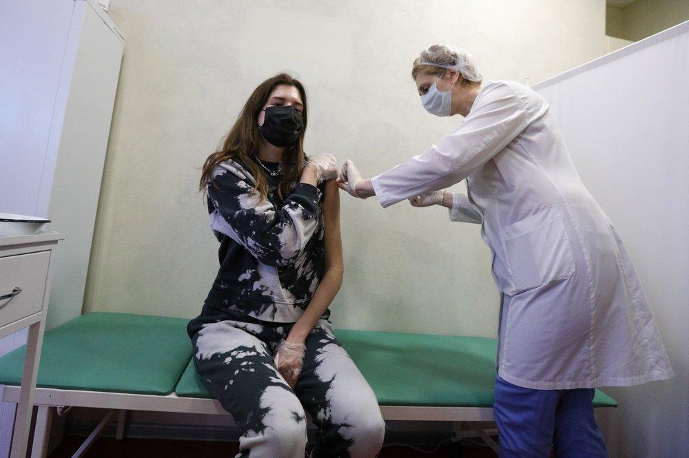 Путин: Вакцинирование россиян должно стоять на первом месте