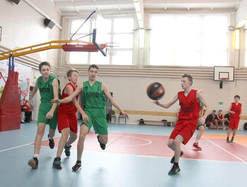 В Смоленске проводится региональный этап баскетбольного турнира «Локобаскет»