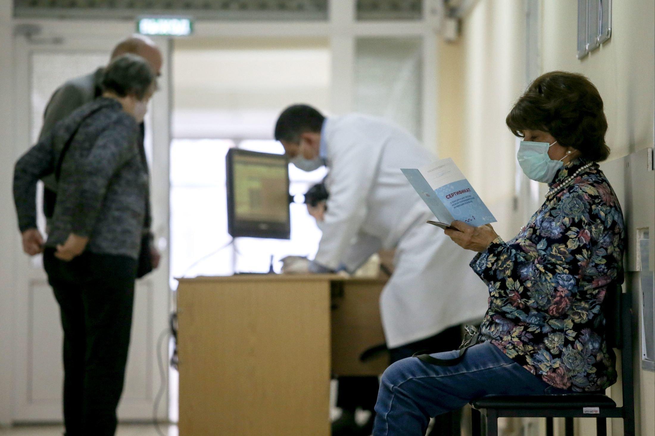 Ученые рассказали, может ли вакцина повлиять на ДНК привитого