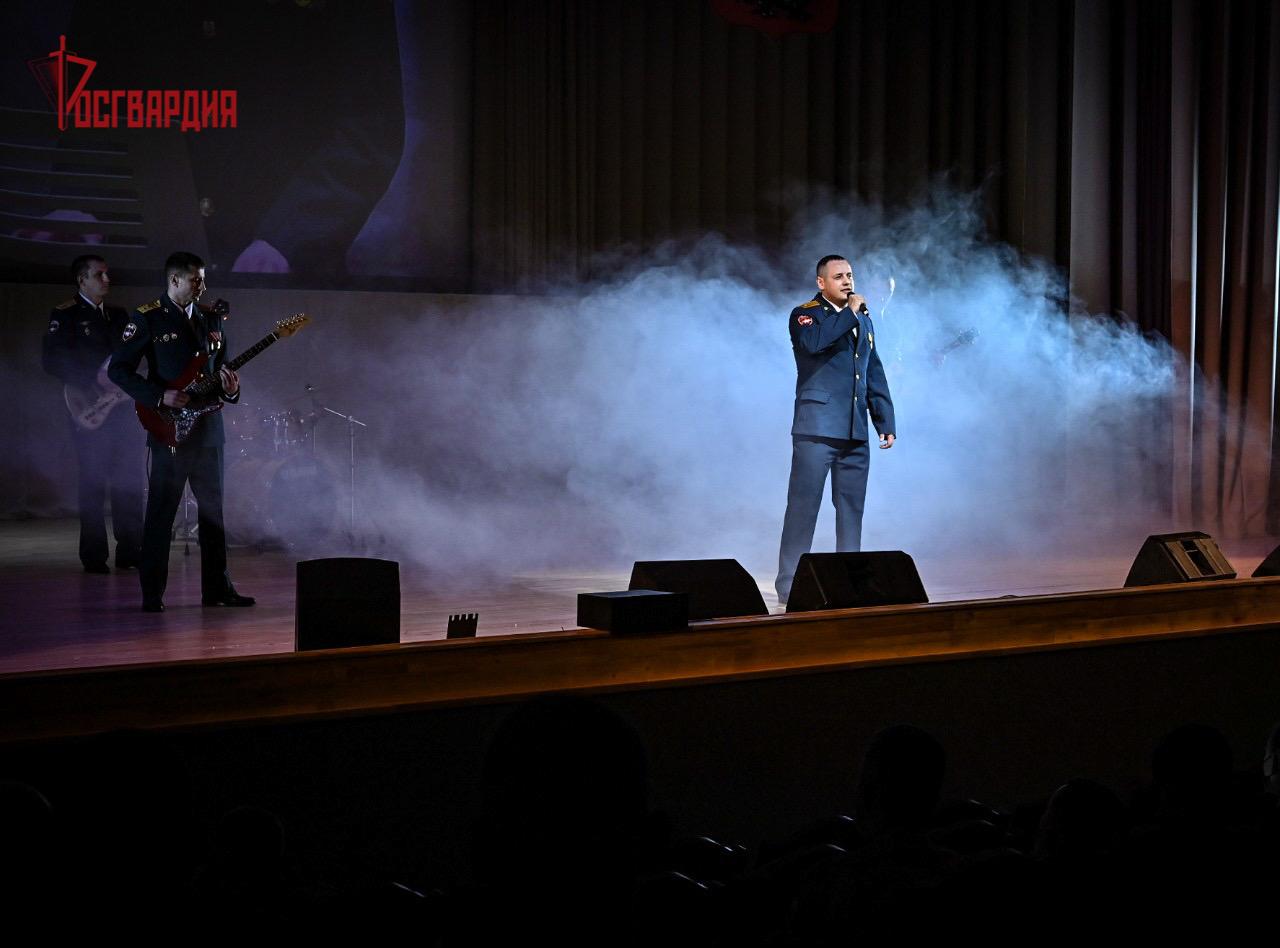 Смоленские росгвардейцы стали призерами окружного этапа конкурса «Солдаты антитеррора»