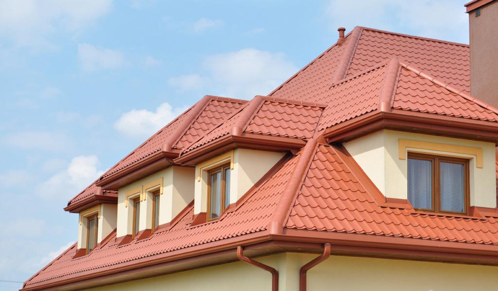 Крыша из металлочерепицы – оптимальный вариант?