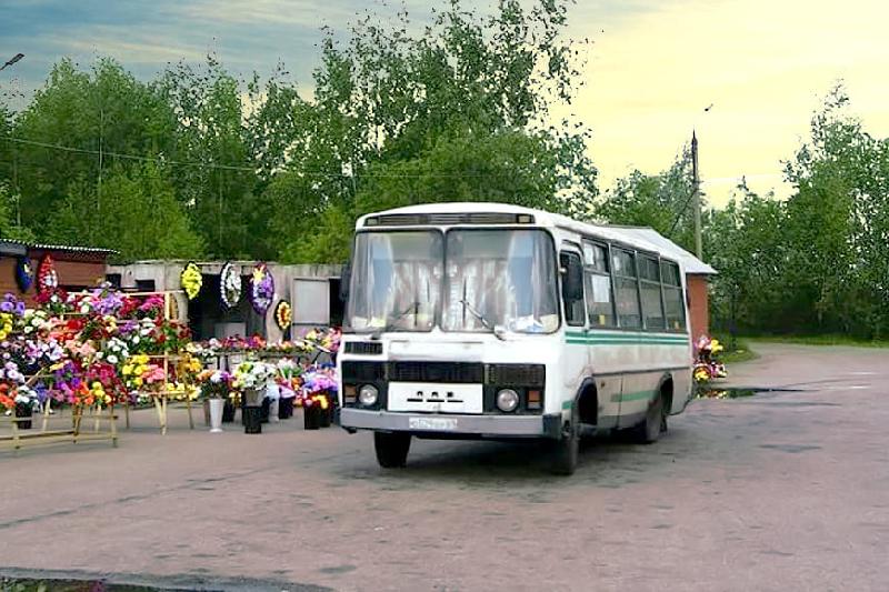 В Смоленске на детской площадке обнаружили труп мужчины