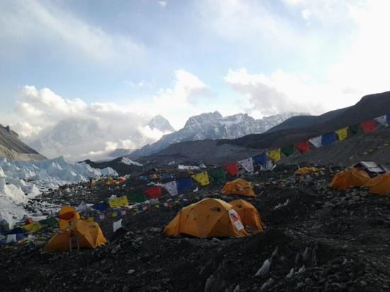 Альпинисты описали коронавирус в лагере на Эвересте
