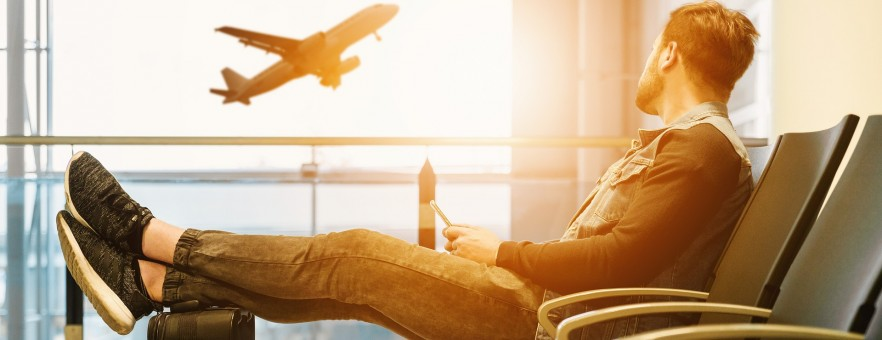 Пассажиропоток авиакомпаний РФ в апреле упал на 23% к «доковидному» 2019 году
