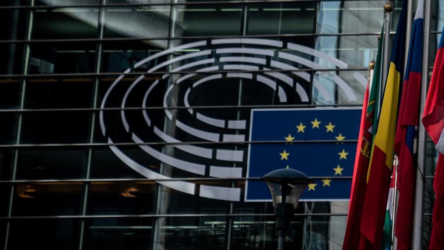 Европарламент одобрил введение в ЕС с 1 июля COVID-сертификатов