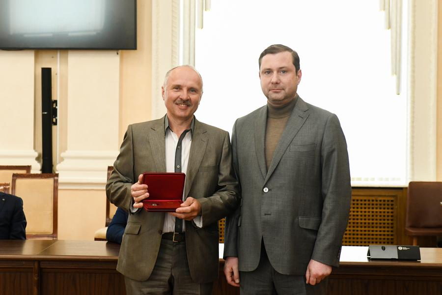 Сотруднику Смоленскэнерго Вячеславу Иванову присвоено звание Заслуженный энергетик РФ