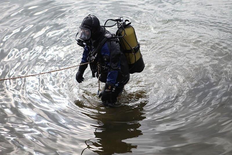 В Смоленском и Краснинском районах из озер подняли тела утонувших мужчин