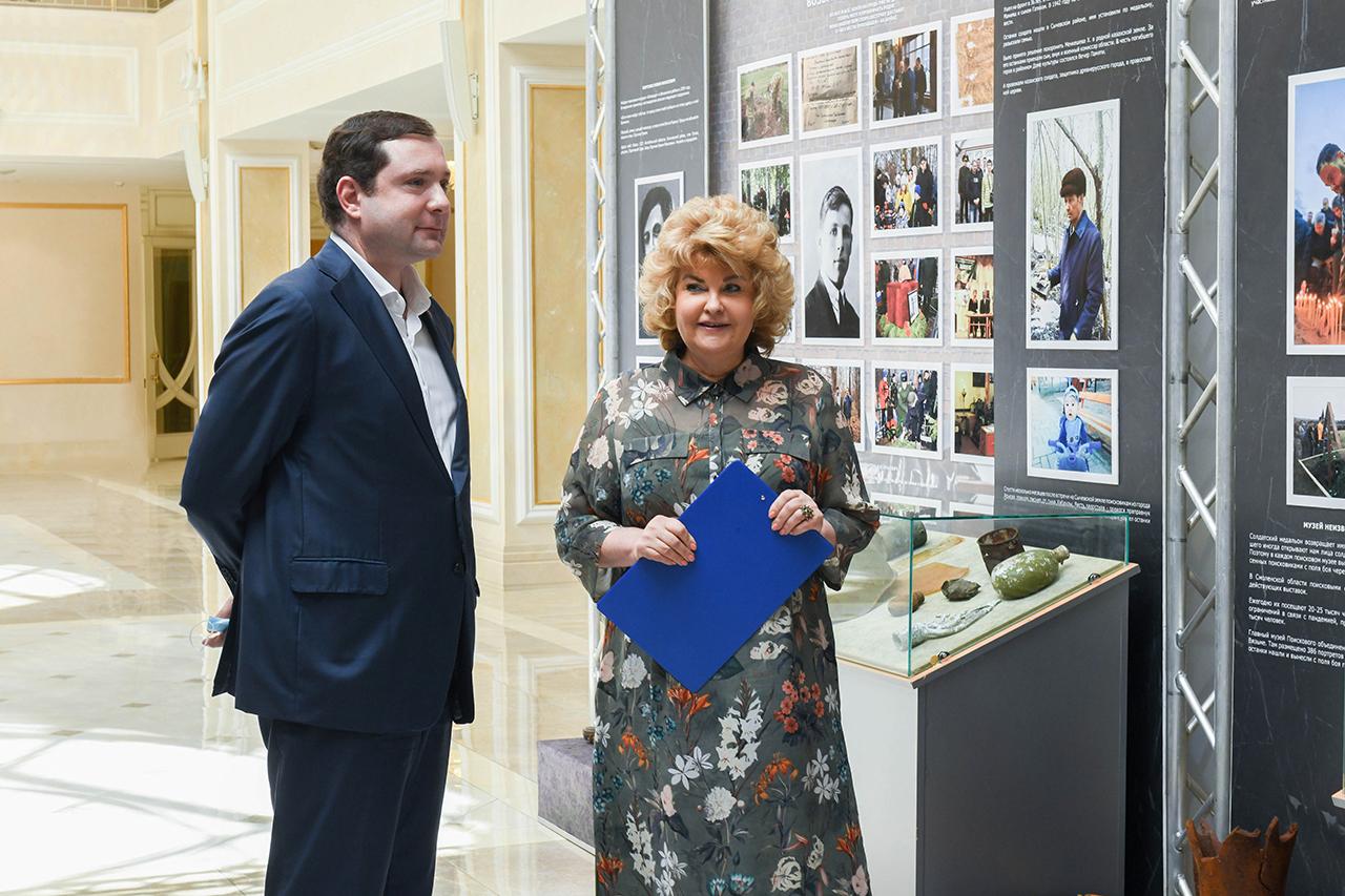 Алексей Островский принял участие в открытии выставки, посвященной поисковому движению Смоленщины