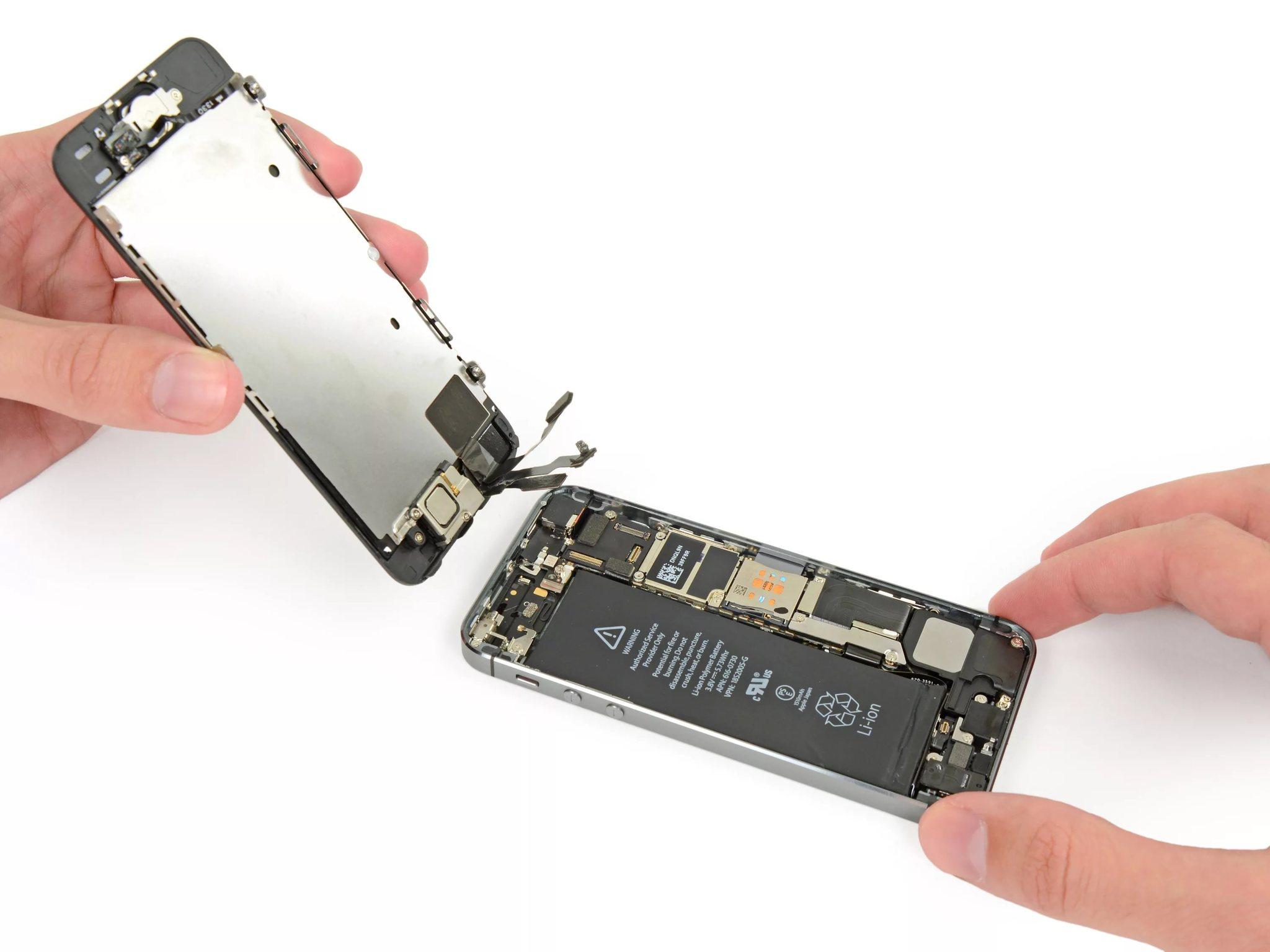 Ремонт дисплея на смартфоне iPhone 5