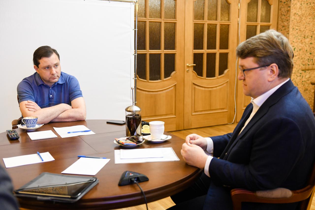 Алексей Островский и гендиректор «Квадры» обсудили перспективы развития сферы теплоснабжения Смоленска