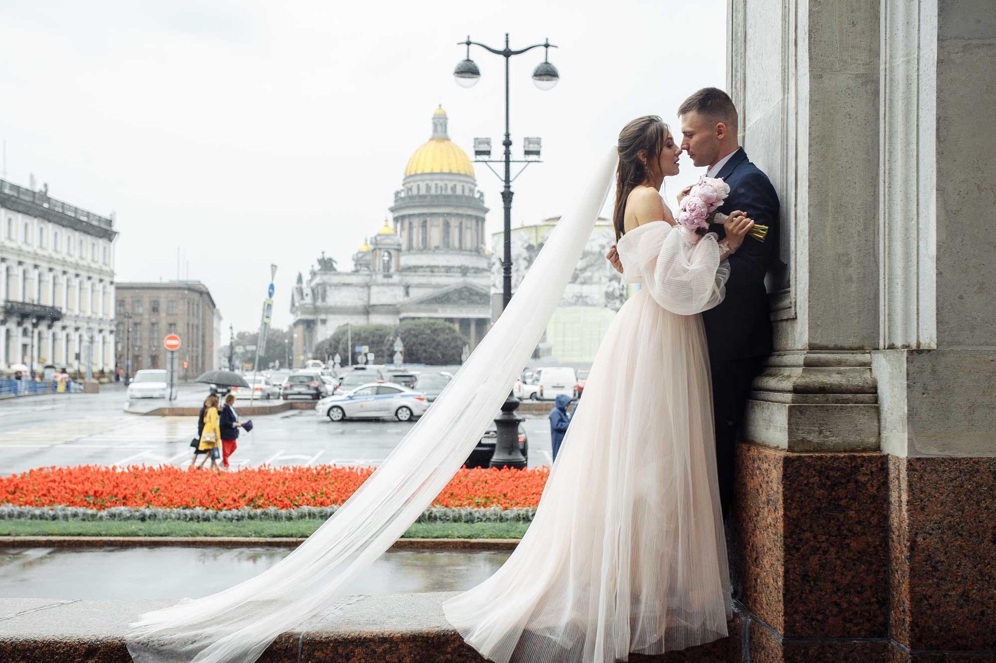 Свадебная мода 2021