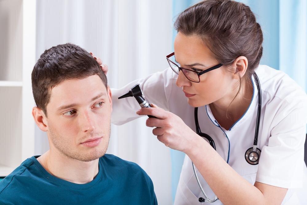 Врач оториноларинголог: кто это, какие заболевания лечит?